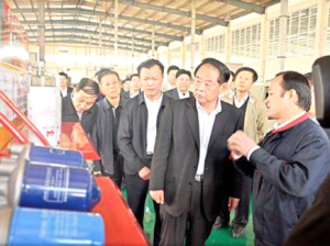 Zibo Municipal Party Secretary Zhou Qingli, Deputy Secretary and Mayor Xu Jingyan visited the company.